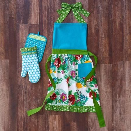 The Pioneer Woman Country Garden Apron