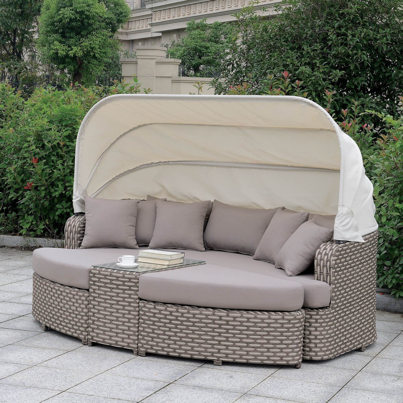 Furniture of America Calabasas Resin Wicker Outdoor Patio Daybed