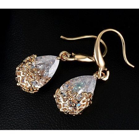 HOLIDAY SPECIAL: Faceted Crystal Teardrop Earrings /