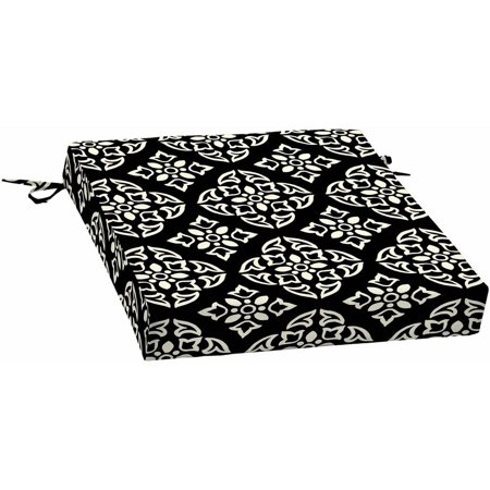 Better Homes & Gardens Black and White Medallion Outdoor Patio Dining Seat Cushion, 21