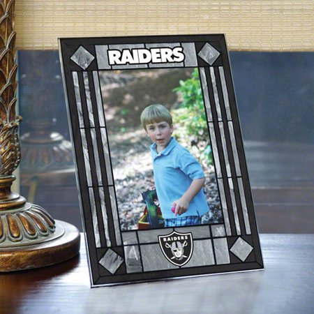 NFL - Oakland Raiders Picture Frame: Vertical Glass Frame ...