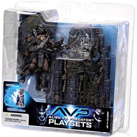 Scar Predator with Victim Action Figure Set Playsets Alien vs Predator](Predator Scary)