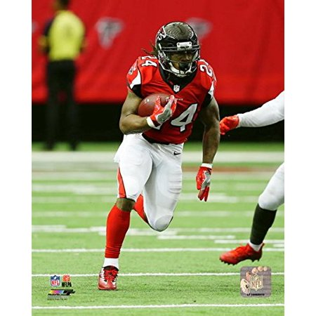 Devonta Freeman Atlanta Falcons 2016 Nfl Action Photo  Size  8  X 10    Exhibition Quality 8X10 Photograph By Photo File Usa