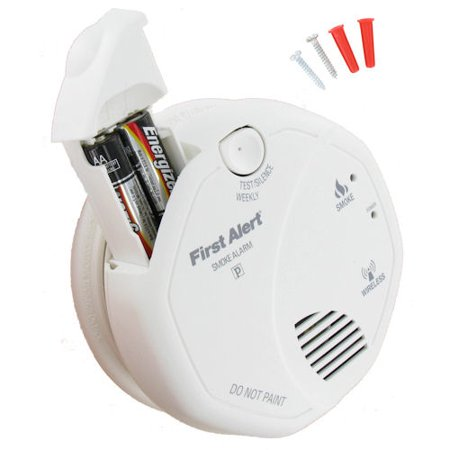 first alert wireless interconnect battery operated smoke alarm. Black Bedroom Furniture Sets. Home Design Ideas