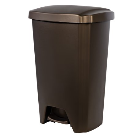 Hefty 12.1-gallon StepOn Trash Can, Multiple Colors