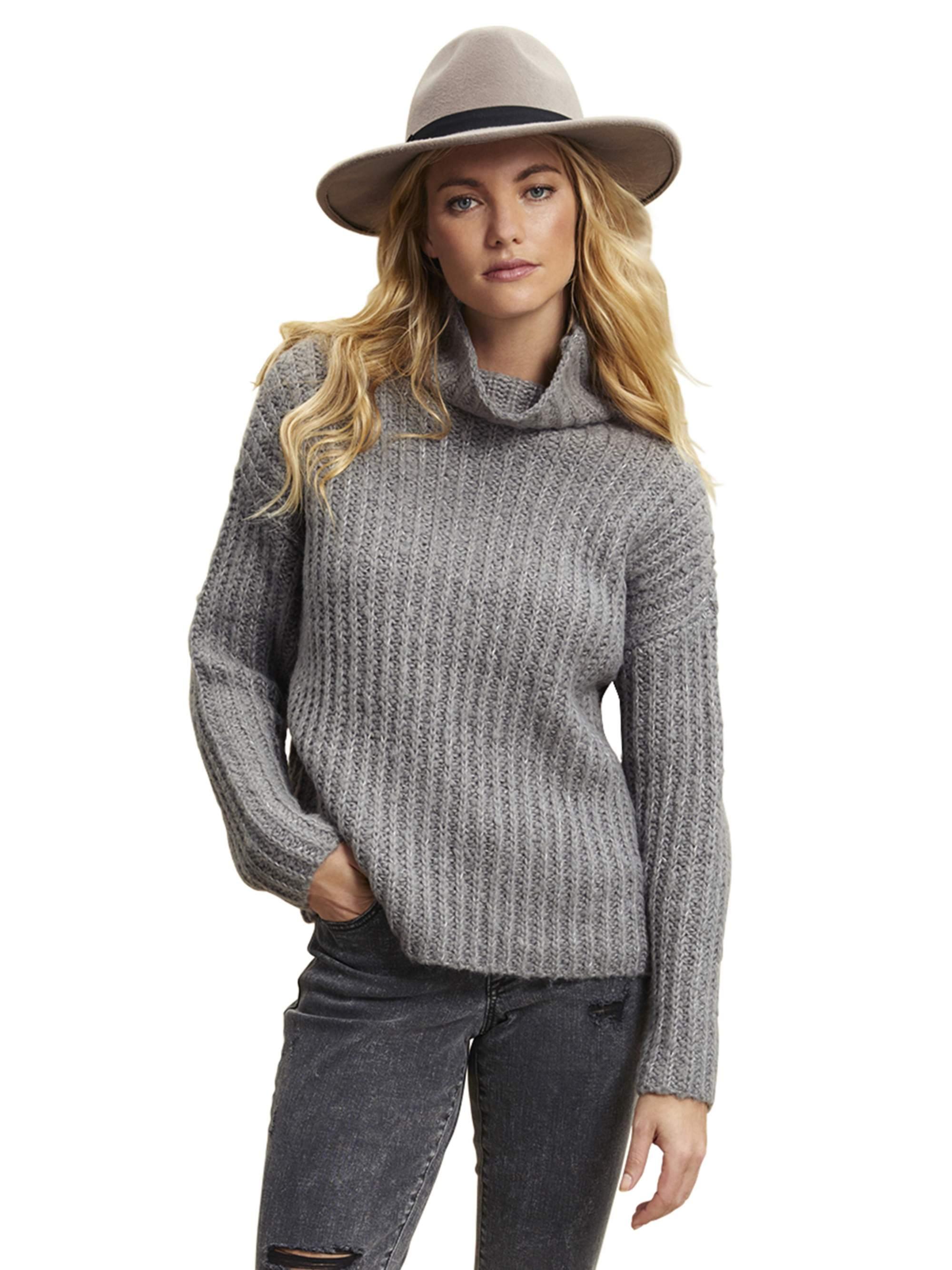 Scoop Scoop Women's Waffle Knit Turtleneck Sweater