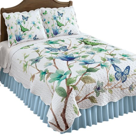 Blue Butterfly Blossom Scalloped Quilt with Greenery Accents - Seasonal Décor for Bedroom, King, Blue