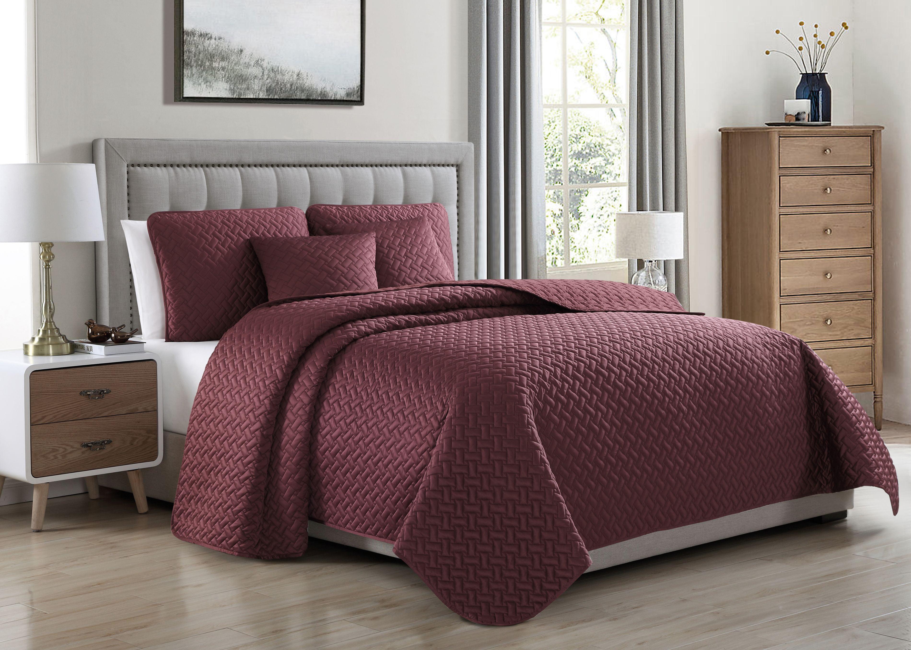 Cozy Beddings Francesco Quilted Coverlet Set Soft Satin Lightweight Geometric Pattern | Burgundy by BH&B International Inc.