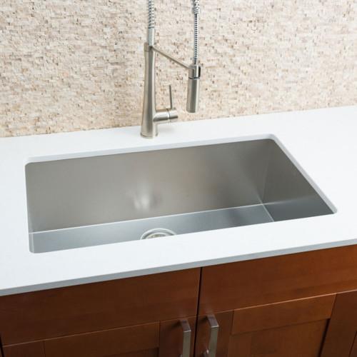 Hahn Chef Series 32'' x 19'' Single Bowl Undermount Kitchen Sink
