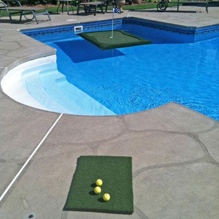 Floating golf green swimming pool game - Swimming pool games for two players ...