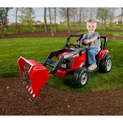 Peg Perego Case IH Power Scoop 12-Volt Battery-Powered Ride-On