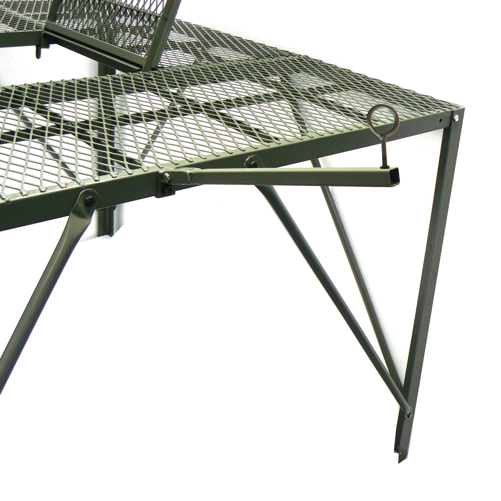 Mossy Oak GameKeeper Elevated Shooting Blind Stand for Hunting