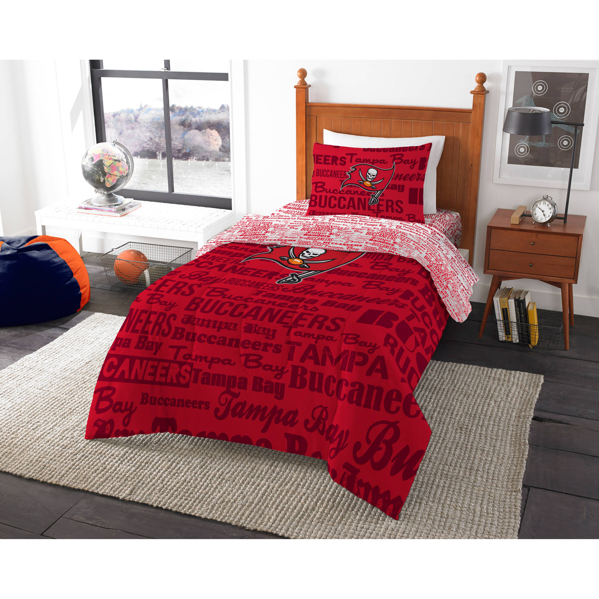 NFL Tampa Bay Buccaneers Bed in a Bag Complete Bedding Set