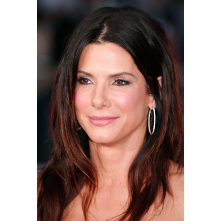 Sandra Bullock At Arrivals For The Change Up Premiere Canvas Art     16 X 20