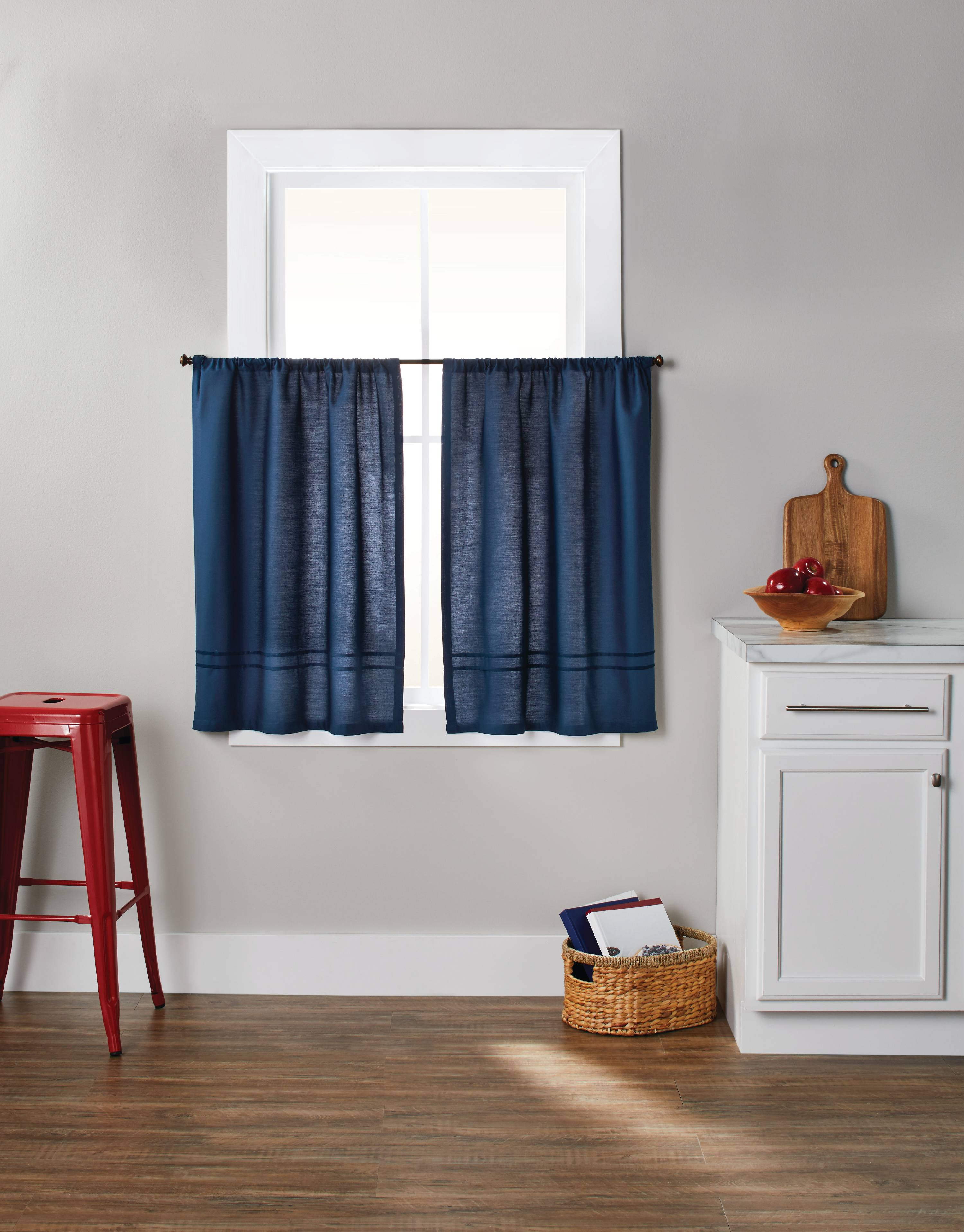 Better Homes Gardens Checks N Solids 3 Piece Kitchen Curtain Set Walmart Com Walmart Com