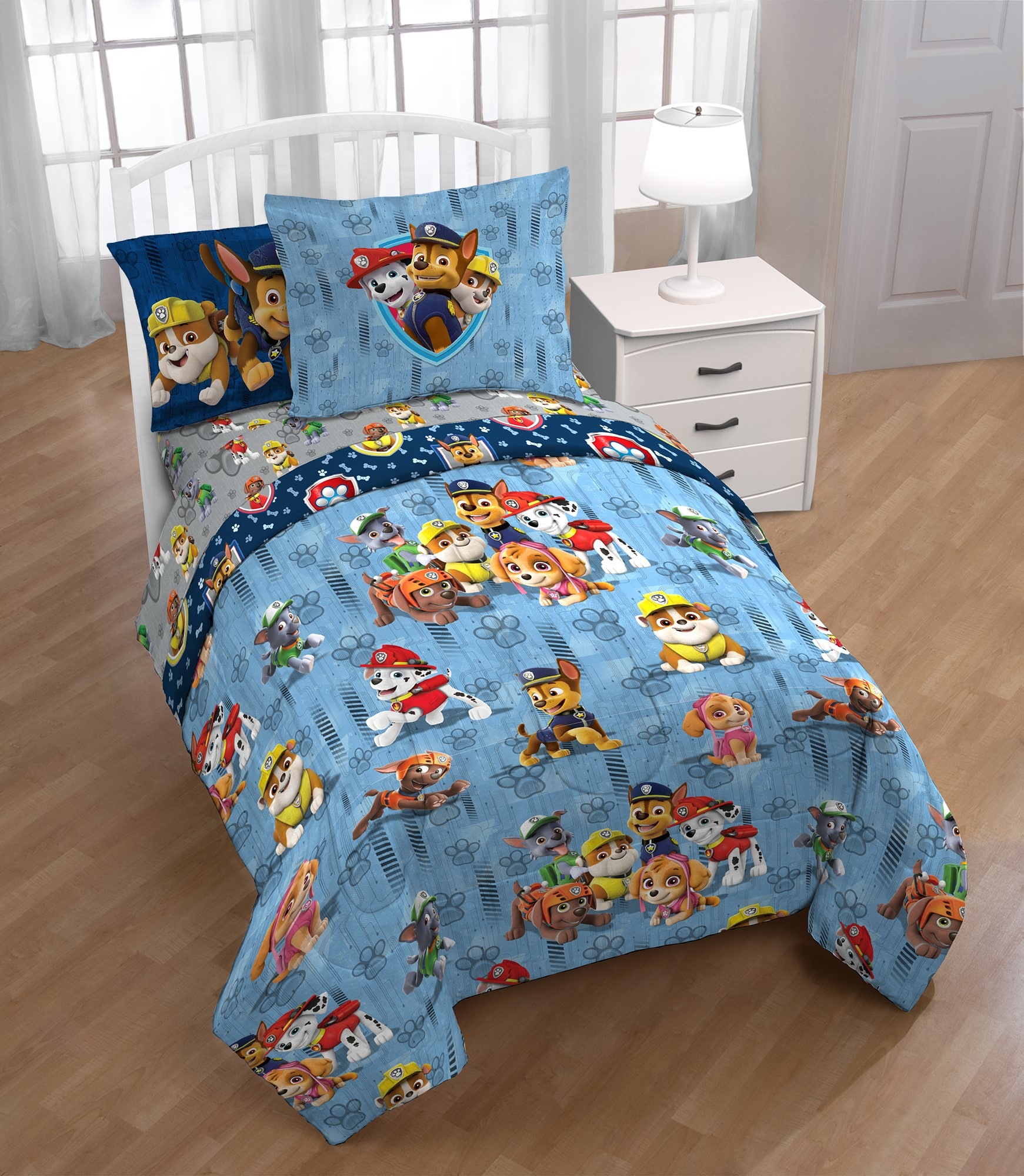 Paw Patrol Boy 'Walking the Dogs' Twin Bed in a Bag Bedding Set with Bonus Tote �... by Franco Manufacturing