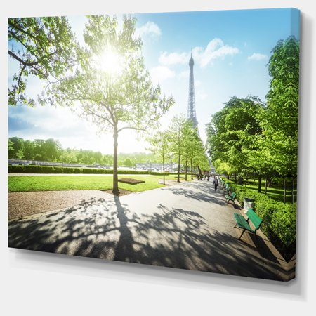 Paris Eiffel Towerat Sunny Morning - Landscape Canvas Art Print - image 3 de 4