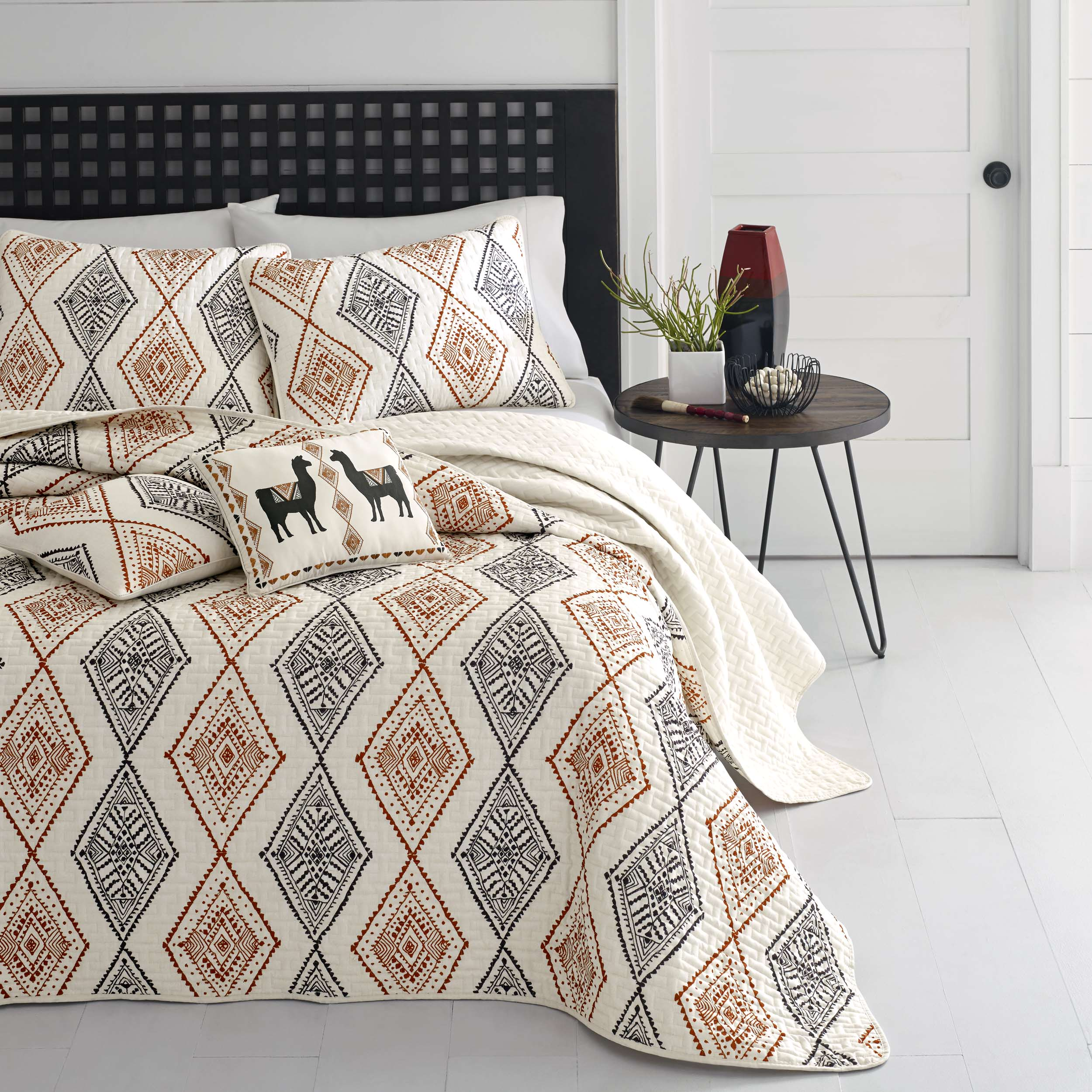 Azalea Skye Cusco Rhombus Medium Beige Quilt Set, Full/Queen