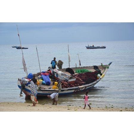 LAMINATED POSTER Boot Fischer Zanzibar Sea Poster Print 24 x 36 (Zanzibar Set)
