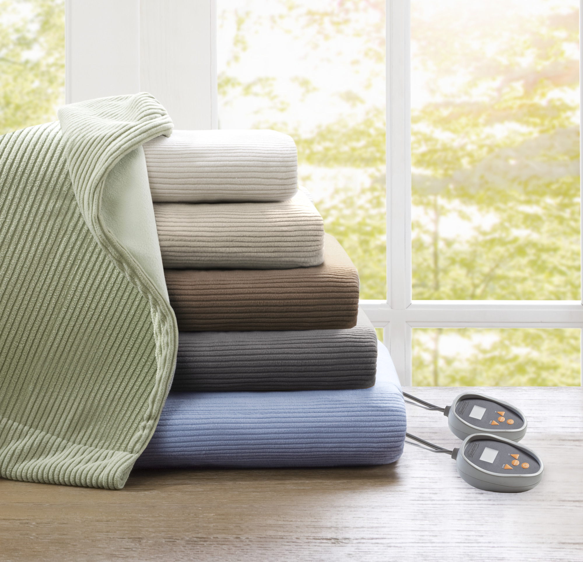 Beautyrest Electric Micro Fleece Heated Solid Blanket