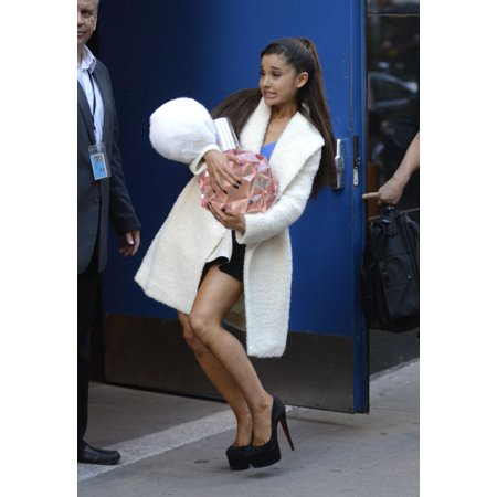 Ariana Grande At AbcS Good Morning America Out And About For Celebrity Candids - Tue  New York Ny September 15 2015 Photo By Derek StormEverett Collection - Abc Distributors