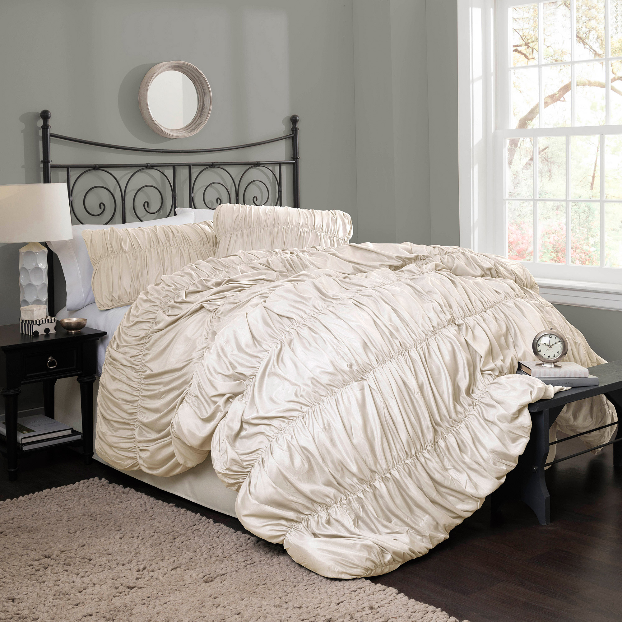 Venetian 4-Piece Bedding Comforter Set