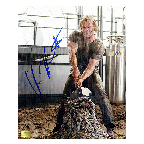Chris Hemsworth Autographed 8?10 Thor Mjolnir Hammer Photo