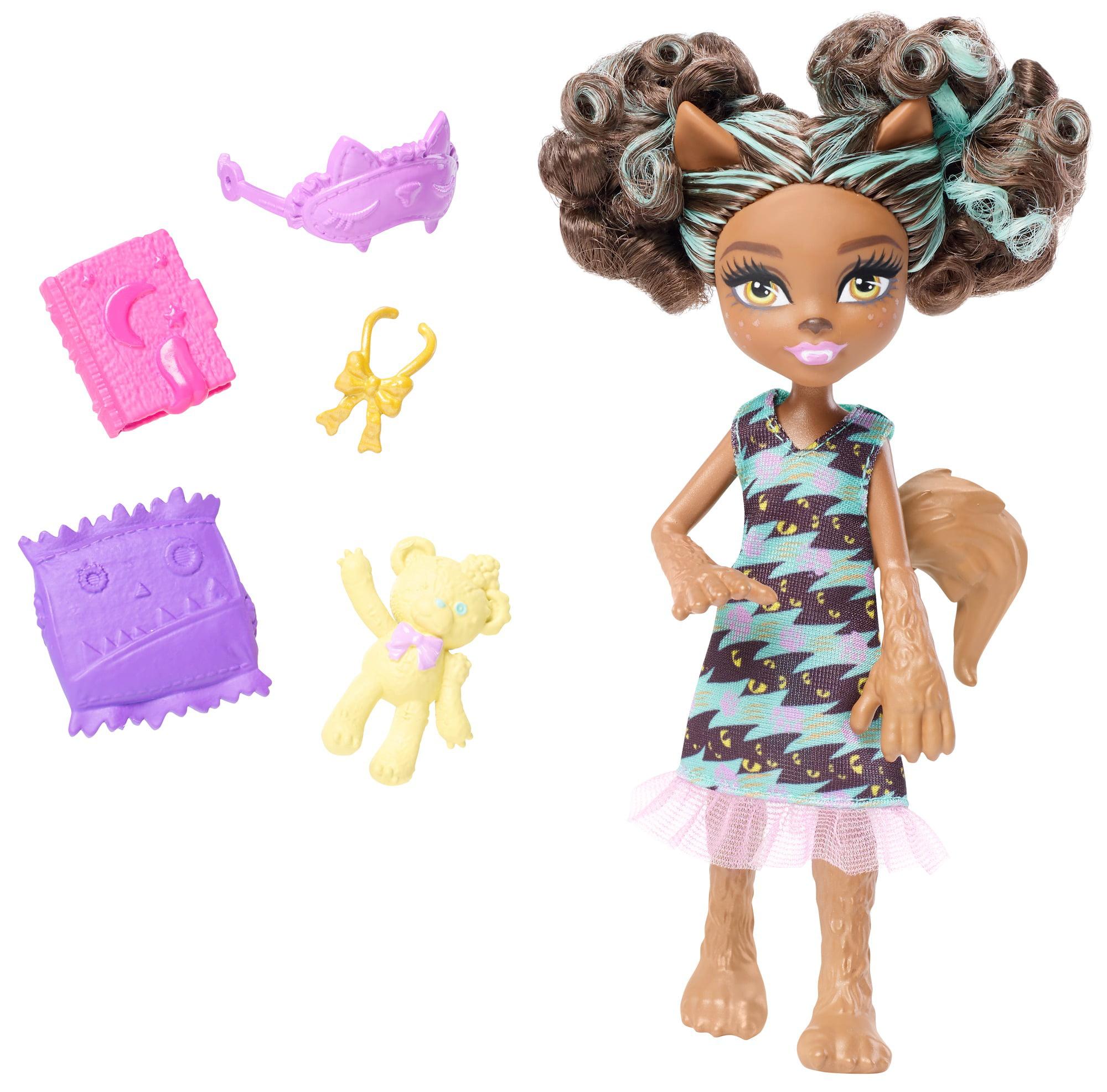 Monster High Monster Family Pawla Wolf Doll by Mattel