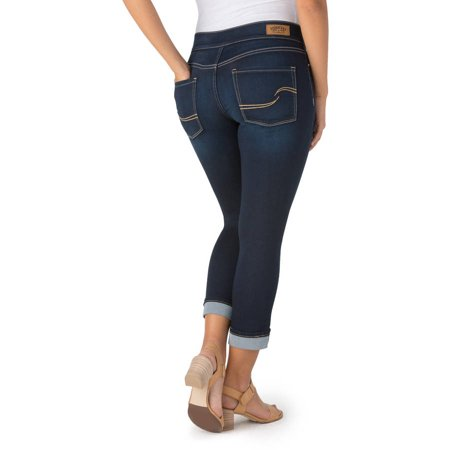 Signature by Levi Strauss & Co. Women's Modern Pull-On Capri Jeans ...