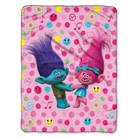 DreamWorks Trolls Happy Smiles 46u0022 x 60u0022 Micro Raschel Throw, 1 Each
