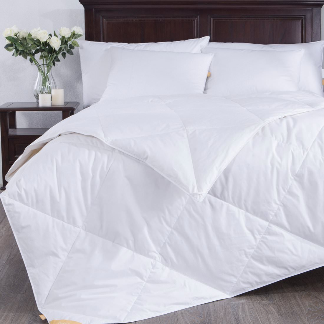 Puredown Lightweight White Goose Down Blend Comforter Duvet Insert 100% Cotton Fabric, King Size, White