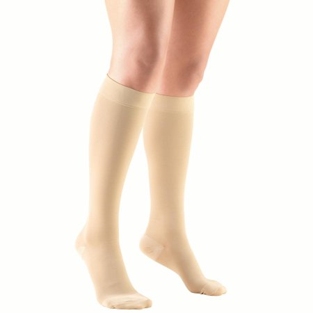 Truform Knee High Stockings, Closed Toe: 20 - 30 mmHg, Beige, Medium