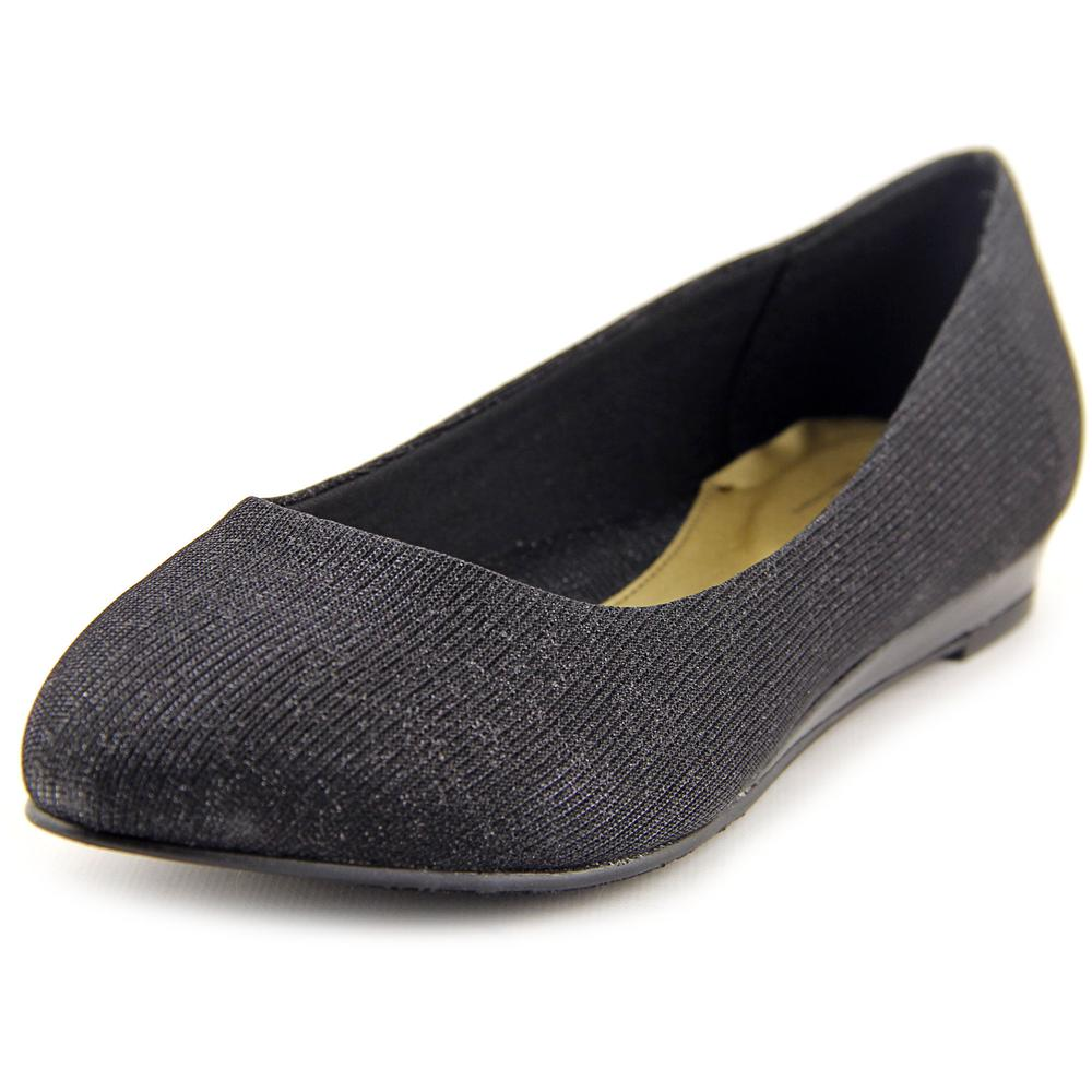 Soft Style by Hush Puppies Darlene   Pointed Toe Canvas  Flats
