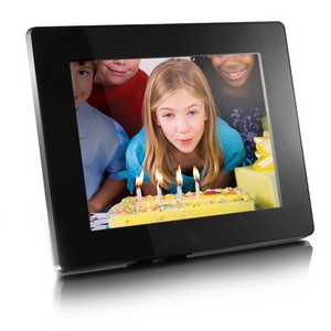 "Aluratek 8"" Digital Photo Frame with 512MB Built-In Memory (800 x 600 resolution, 4:3 Aspect Ratio)"