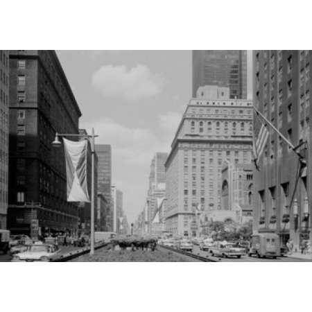 Usa New York State New York City Park Avenue Seen From 49Th Street Canvas Art     18 X 24