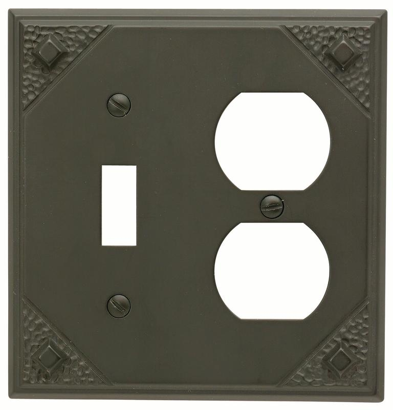 "Atlas MCCO-O Craftsman 4-7/8-by-4-7/8"" Combo Outlet, Aged Bronze"