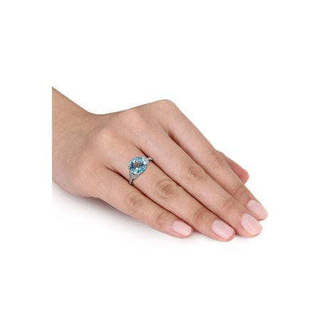 4.50 Carat (ctw) Swiss Blue Topaz Ring in 14K White Gold with Diamonds 1/6 Carat (ctw) - image 2 de 4