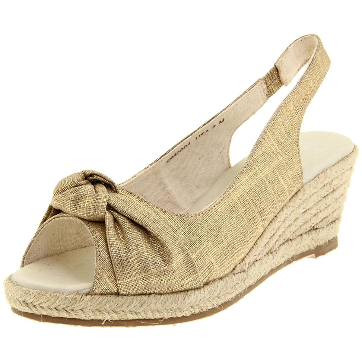 Lamo OM0004 Womens Gold Sandals by Lamo