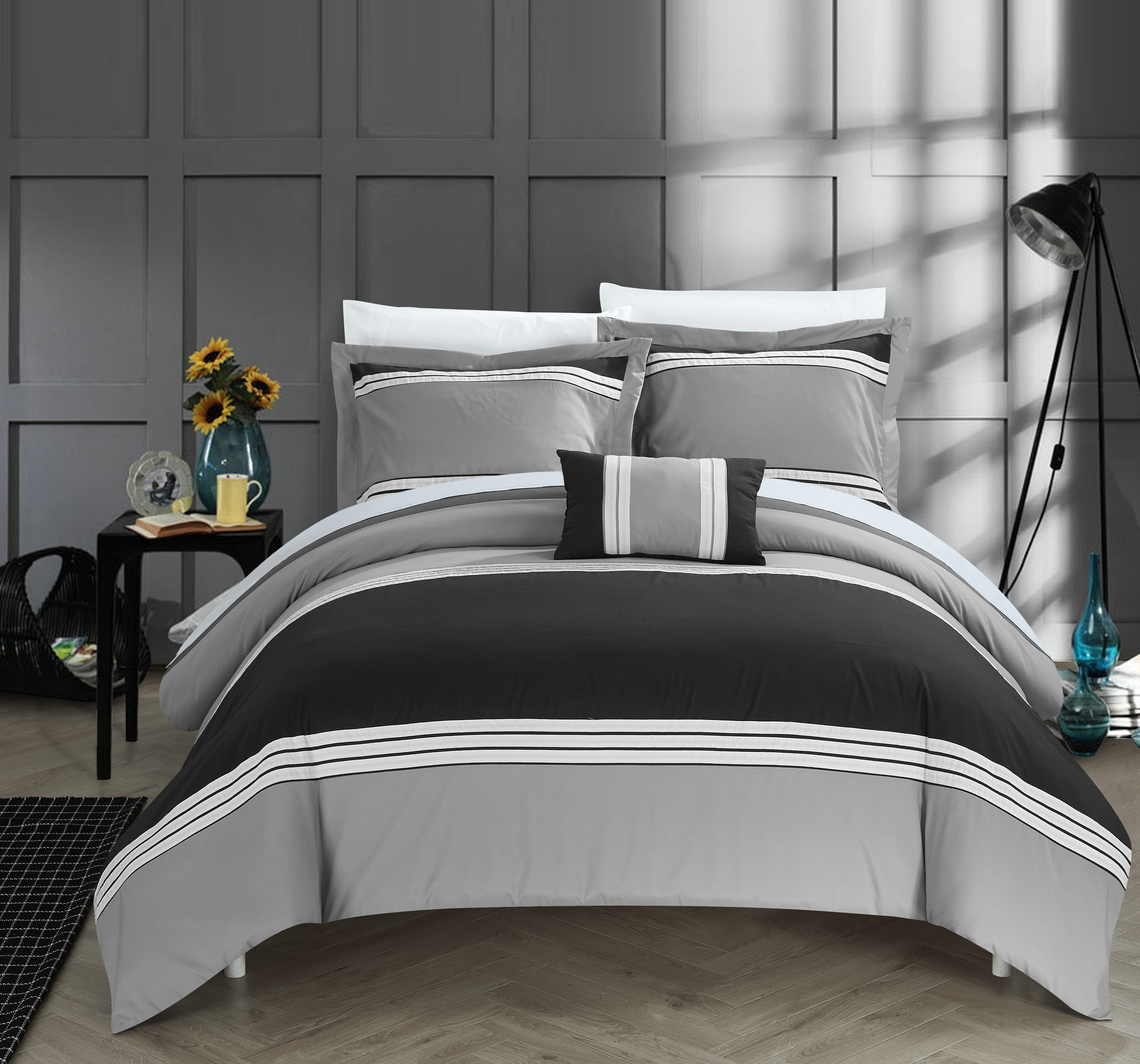 Chic Home 8-Piece Sawyer Hotel Collection Bed In a Bag Duvet Set