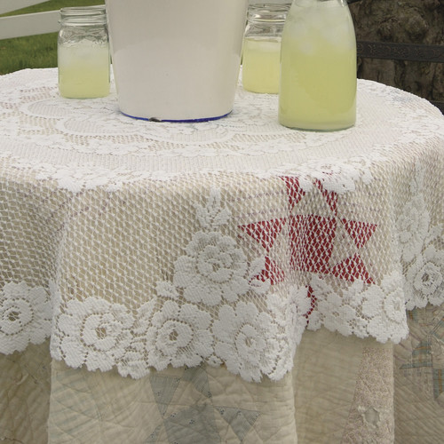 Heritage Lace Victorian Rose Round Table Topper