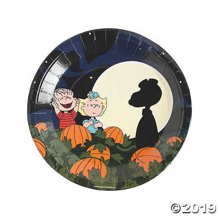 Peanuts® Halloween Paper Dinner Plates](Traditional Halloween Dinner)