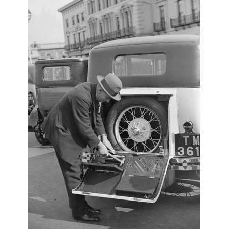 A driver opening the fitted toolkit of his Ford Model A at the Southport Rally, 1928 Print Wall Art By Bill Brunell (Southport Hanging)