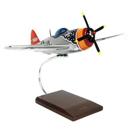 (Daron Worldwide Republic P-47D Thunderbolt Tarheel Hal Model Airplane)