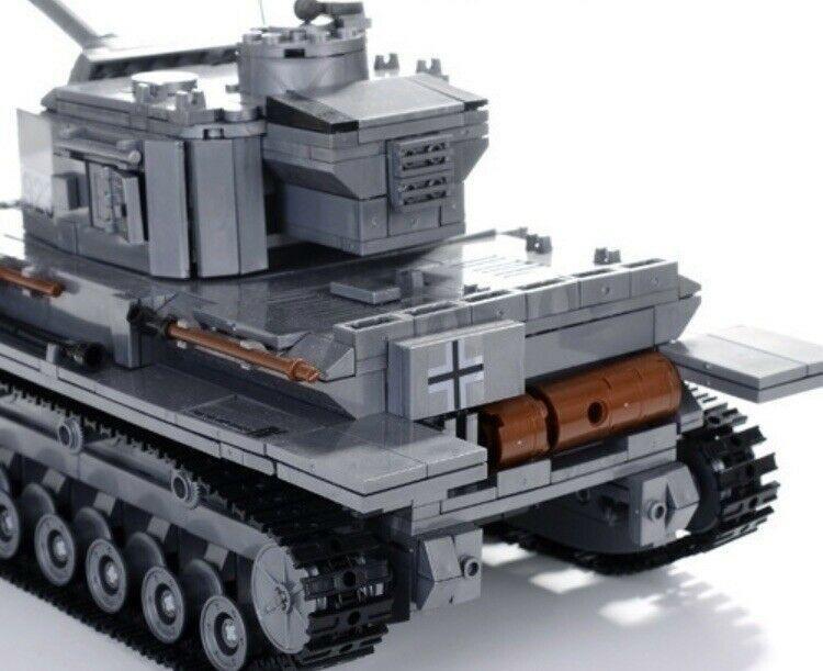 WW2 F2 Tiger 323 Tank Brick Model Toy TANK Set World War 2 WW2 TANK NEW