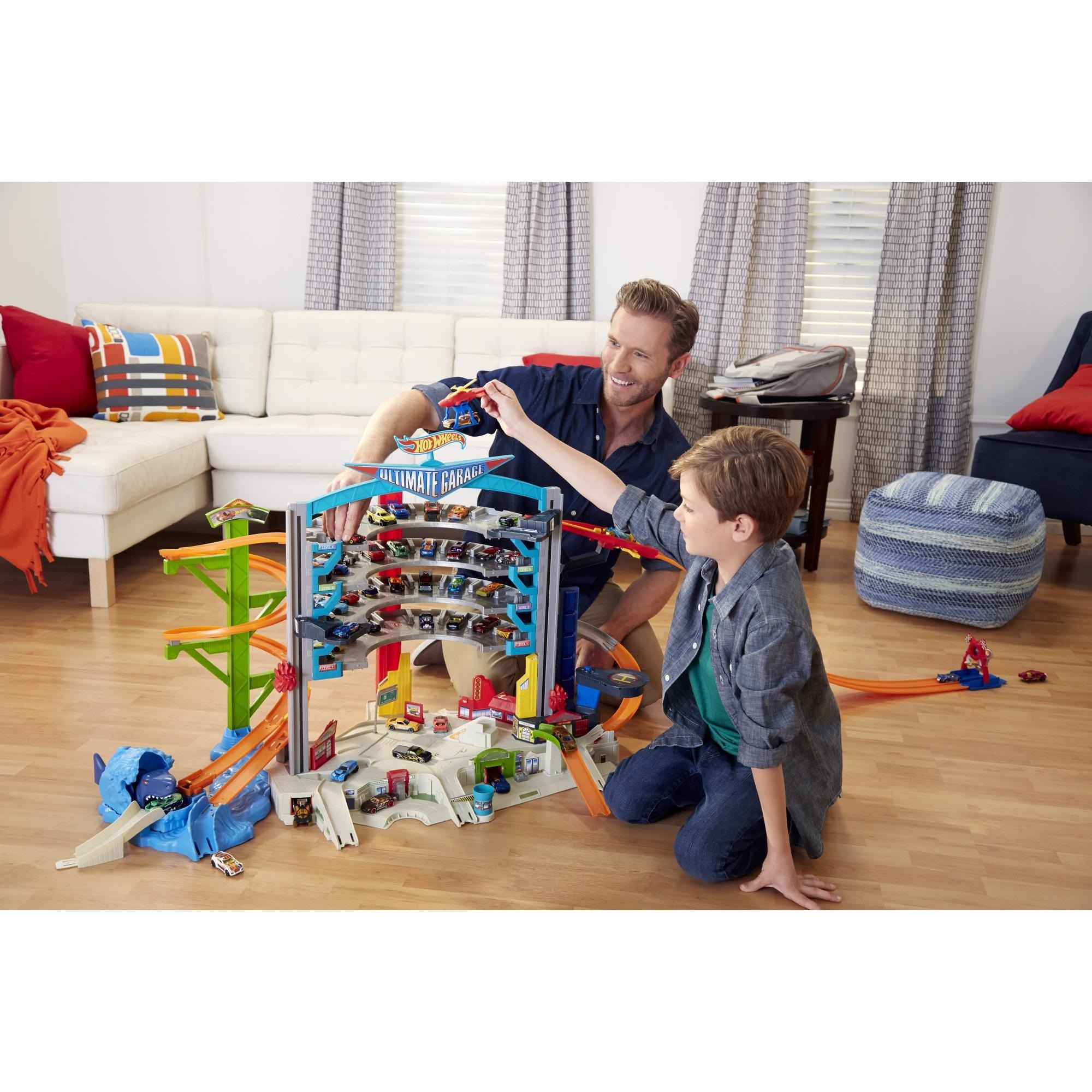 Hot Wheels Ultimate Garage Playset With Car Wash by