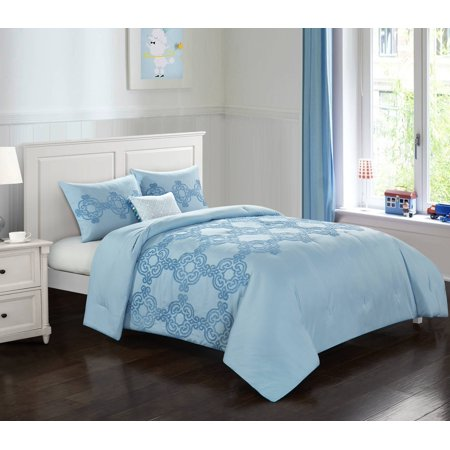 Better Homes & Gardens Tufted Medallion Comforter Set