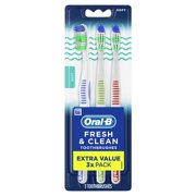 Oral-B Fresh and Clean Manual Toothbrushes, Soft, 3 Ct