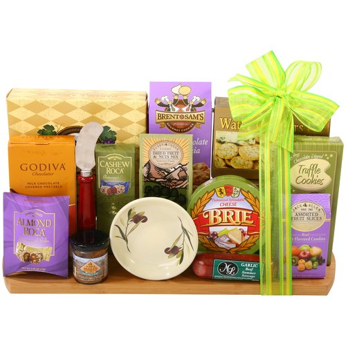 Alder Creek Gift Baskets Easter Springtime Cutting Board Gift Basket, 14 pc