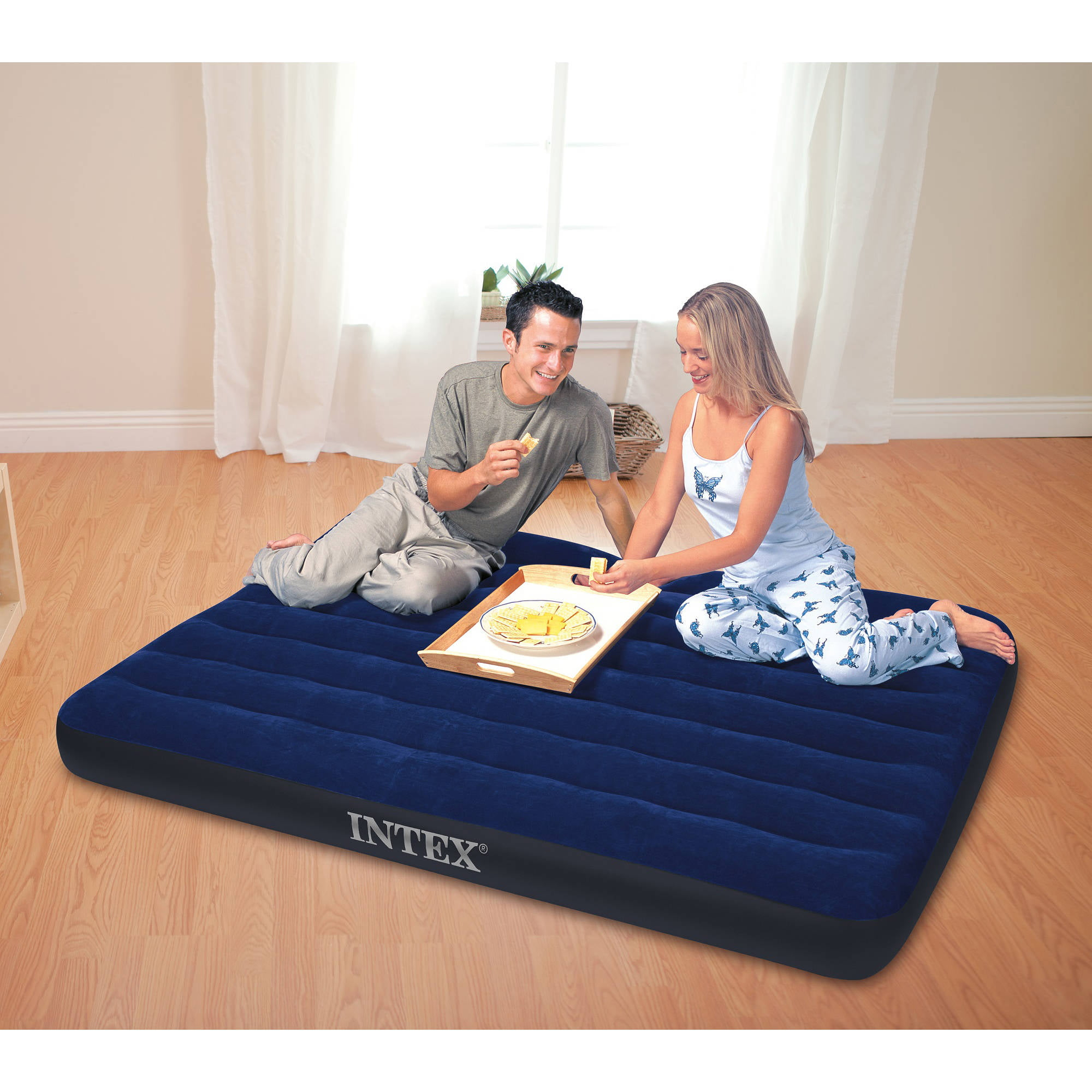 Intex 16 5 Durabeam Deluxe Pillow Rest Airbed Mattress With Built In Pump Multiple Sizes Com