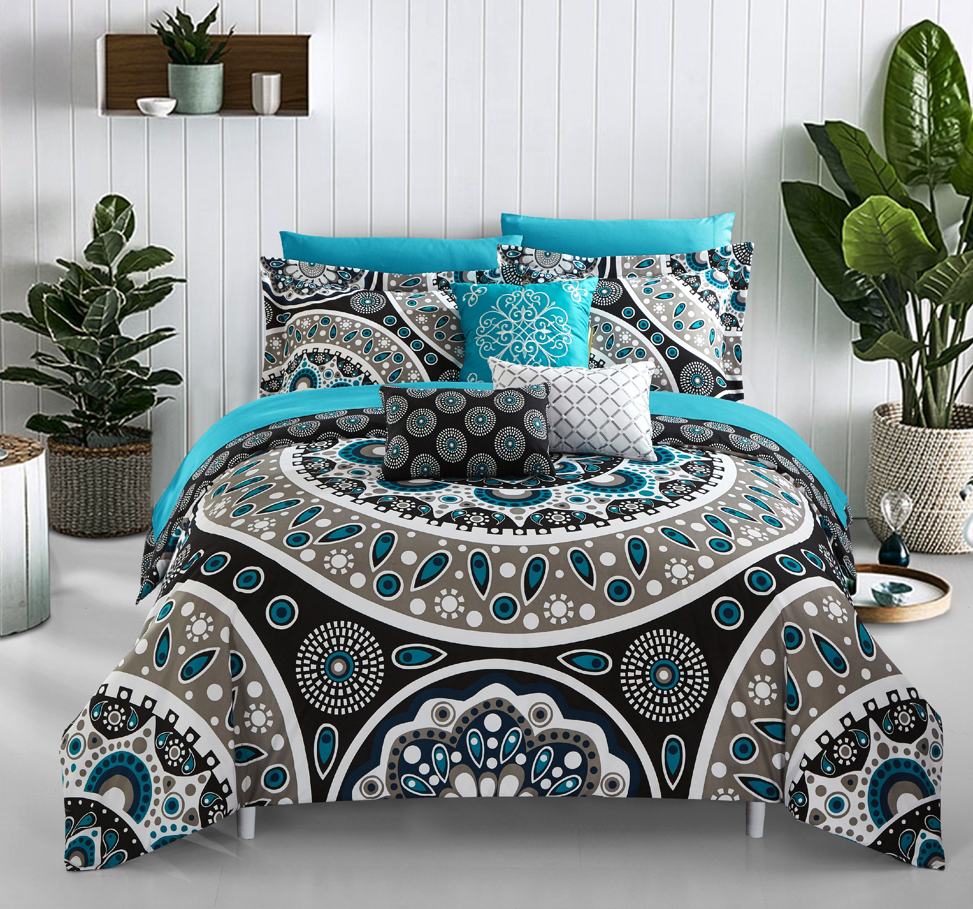 Chic Home Gaston 10 Piece Reversible Bed in a Bag Comforter Set